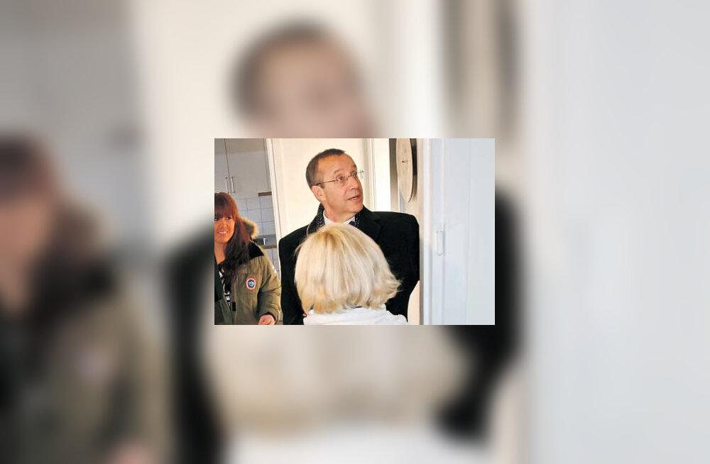 President käis Kördikülas lihtsa rootslanna elu muutmas