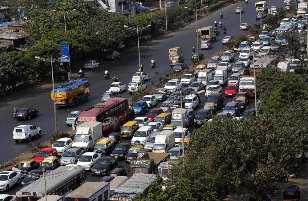 India otsustas isejuhtivad autod ära keelata