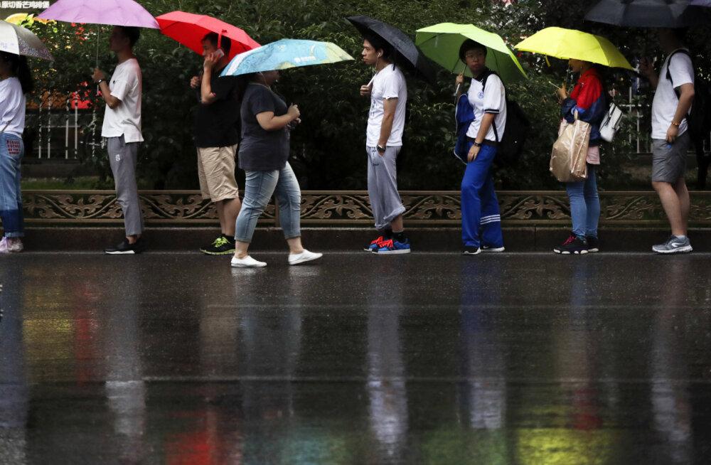 Idufirma ebaedu: Vihmavarjude laenutamisega tegelenud ettevõttelt virutati kolme kuuga 300 000 varju