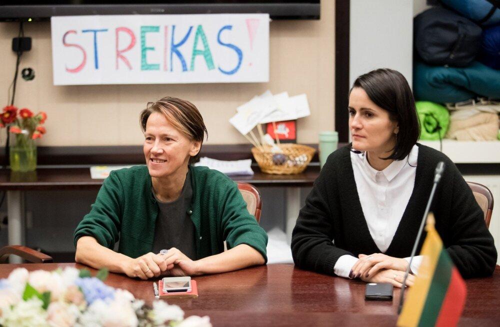 Leedus käivad neljandat nädalat õpetajate meeleavaldused ja streigid, haridusminister sai sule sappa