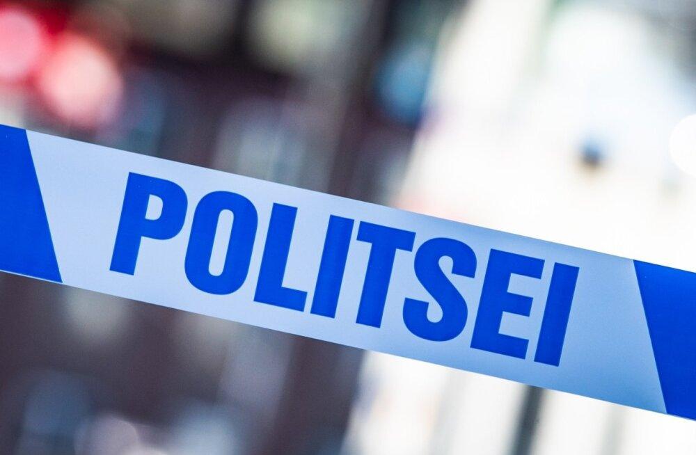 Kaasliikleja surnuks sõitnud endine rallimees ähvardas eelneval päeval naabrinaist! Politsei käis kohal ja kuulas kannatanu üle