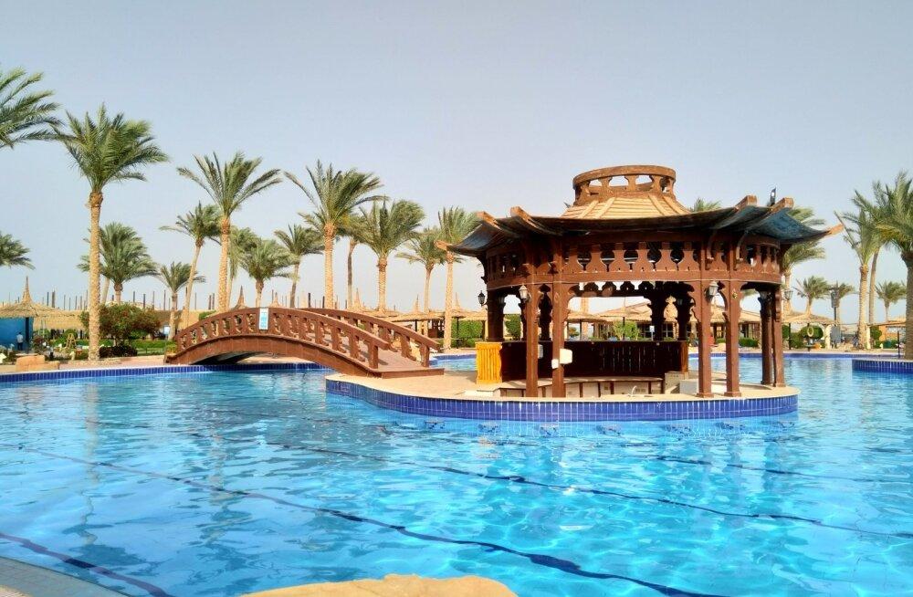 Туристы заплатили 4000 евро за отдых в несуществующем отеле Египта, а их поселили в разрушенном здании