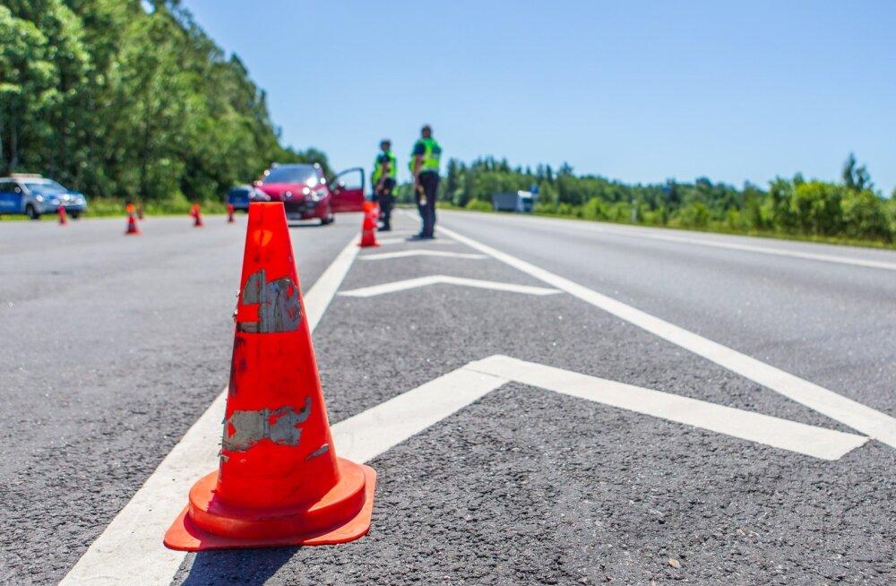 politseireid Päernu - Riia maanteel