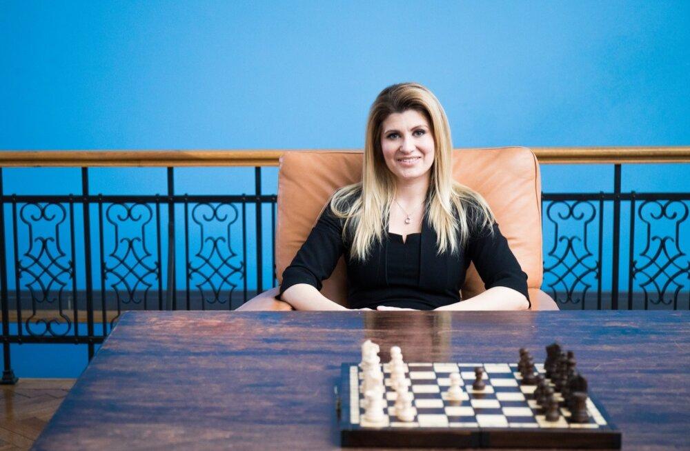 Kas Viktoria Ladõnskajast saab IRL-i linnapeakandidaat, selgub siis, kui parteile on valitud uus esimees.