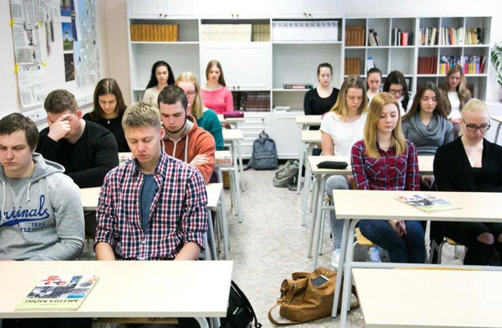 Tartu Ülikooli uuringust selgus lihtne viis, kuidas koolinoorte stressi ja kurnatust leevendada