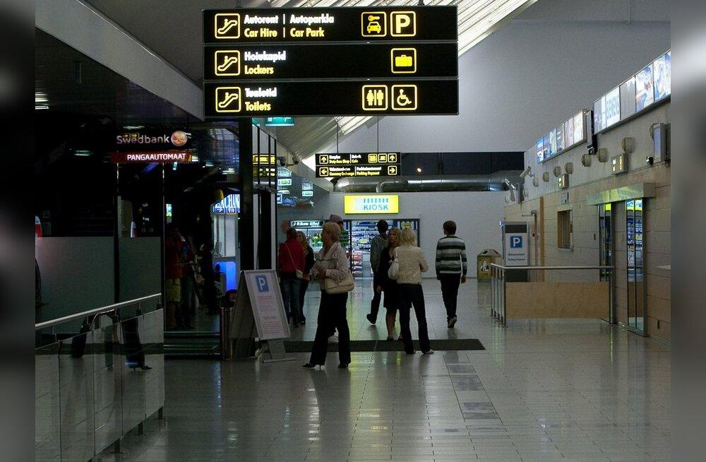 Lennujaamas piilus turvatöötaja naise seeliku alla