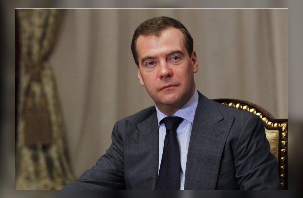 Õiglane Venemaa viskab Medvedevi toetajad endi hulgast välja