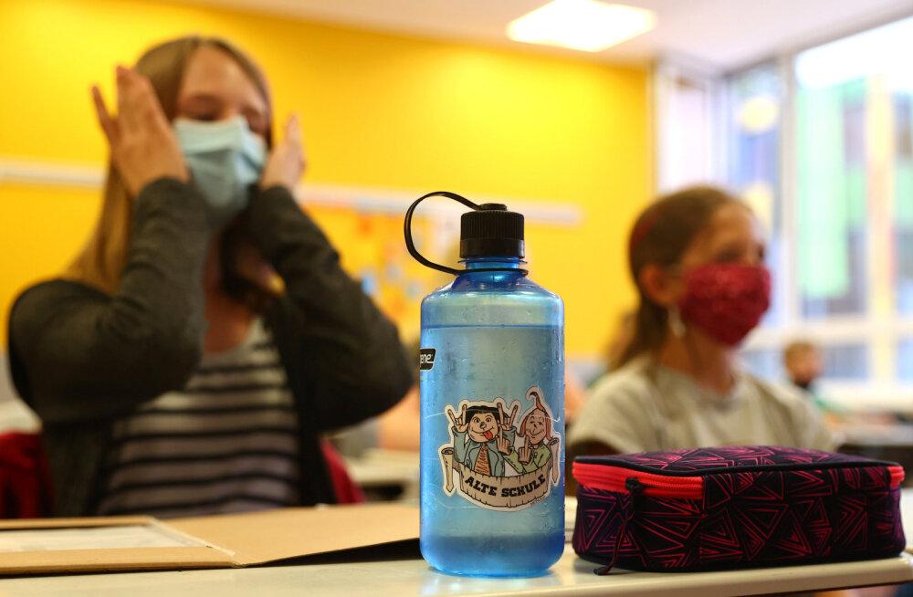 Первый раз в ковидный класс. Как в Европе будут учить детей, несмотря на коронавирус