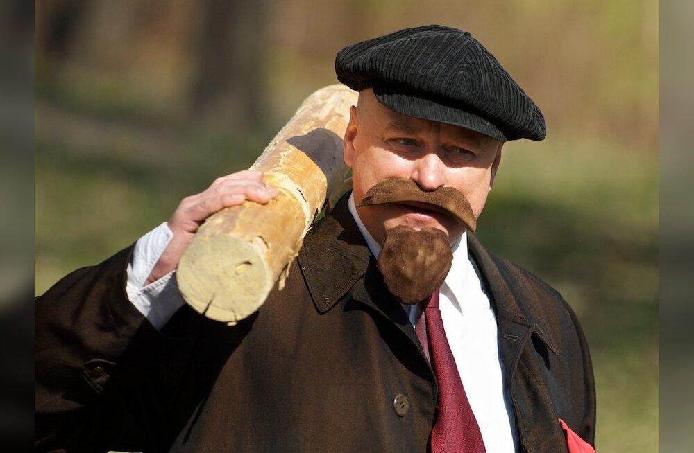 FOTOD: Narvas võttis isegi Lenin talgutest osa