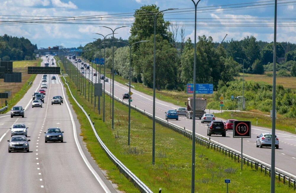 Liiklus, autod, Pärnu maantee