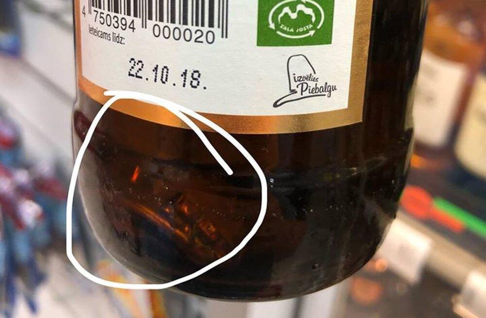 FOTO   Vaat, mis võib Läti õllepudelist leida – vana kokkupressitud korgi