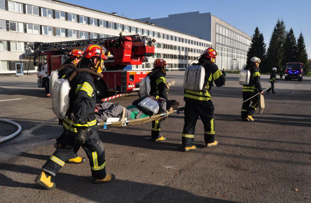 """На промышленной территории шахты """"Эстония"""" проходят масштабные пожарные учения"""