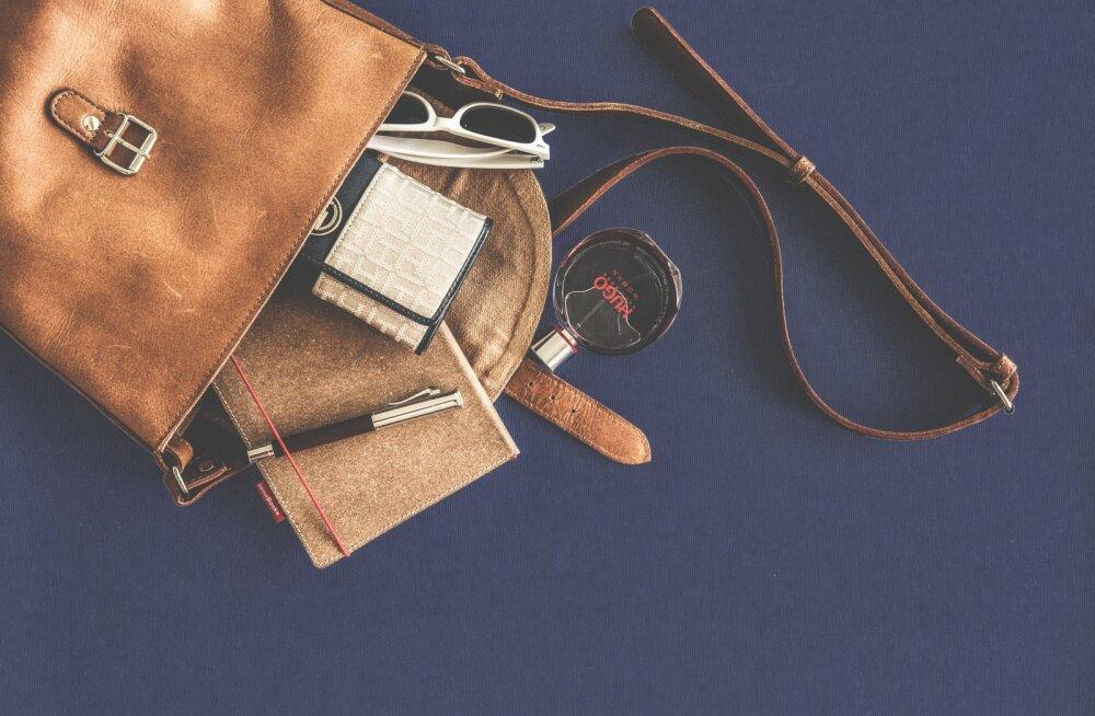 Главная опасность, которая скрывается в женской сумке
