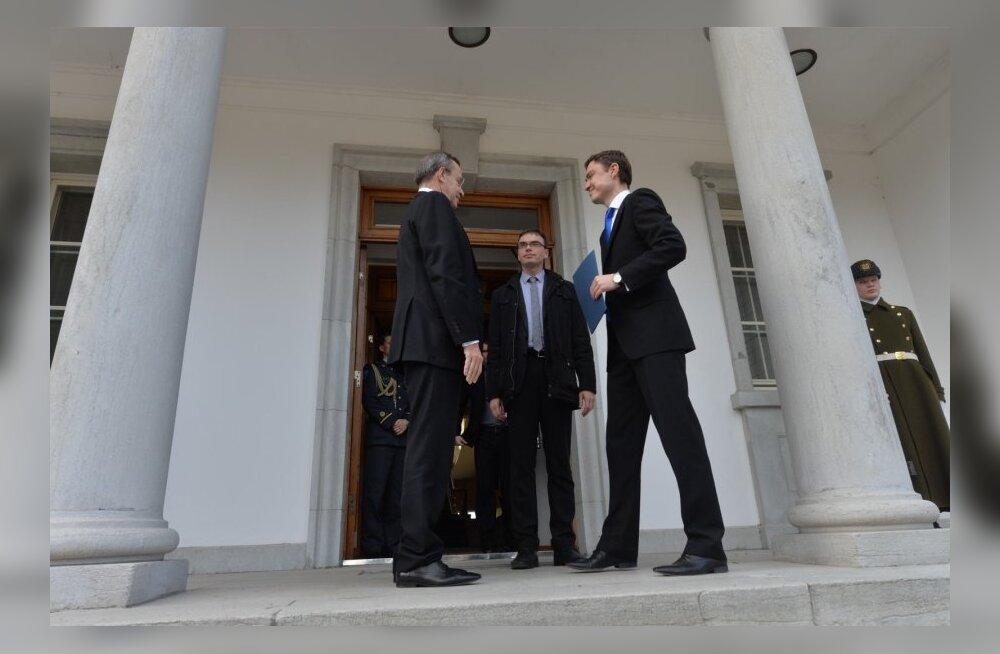 DELFI VIDEO ja FOTOD: President Ilves: tegin Taavi Rõivasele ülesandeks uue valitsuse moodustamise