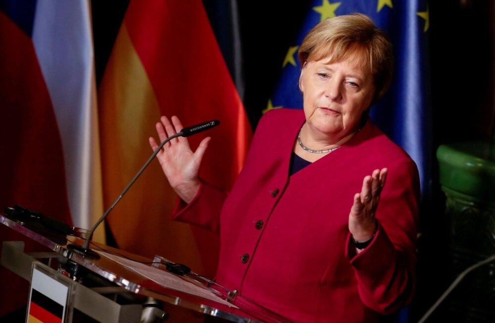 Опасный контакт: Ангела Меркель приняла решение самоизолироваться