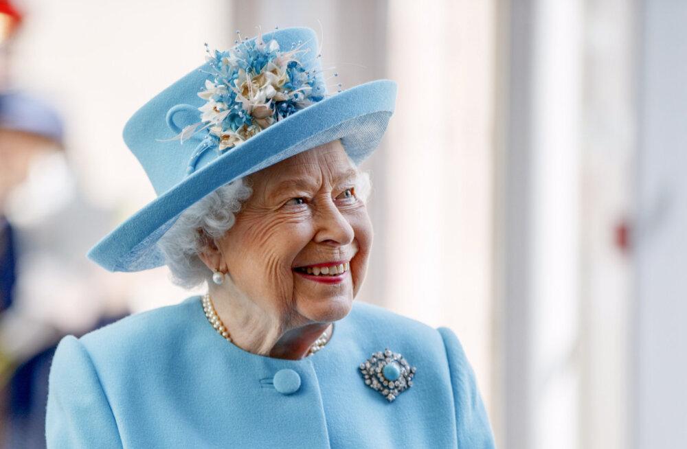 Елизавета II будет общаться с семьей с помощью FaceTime и Skype