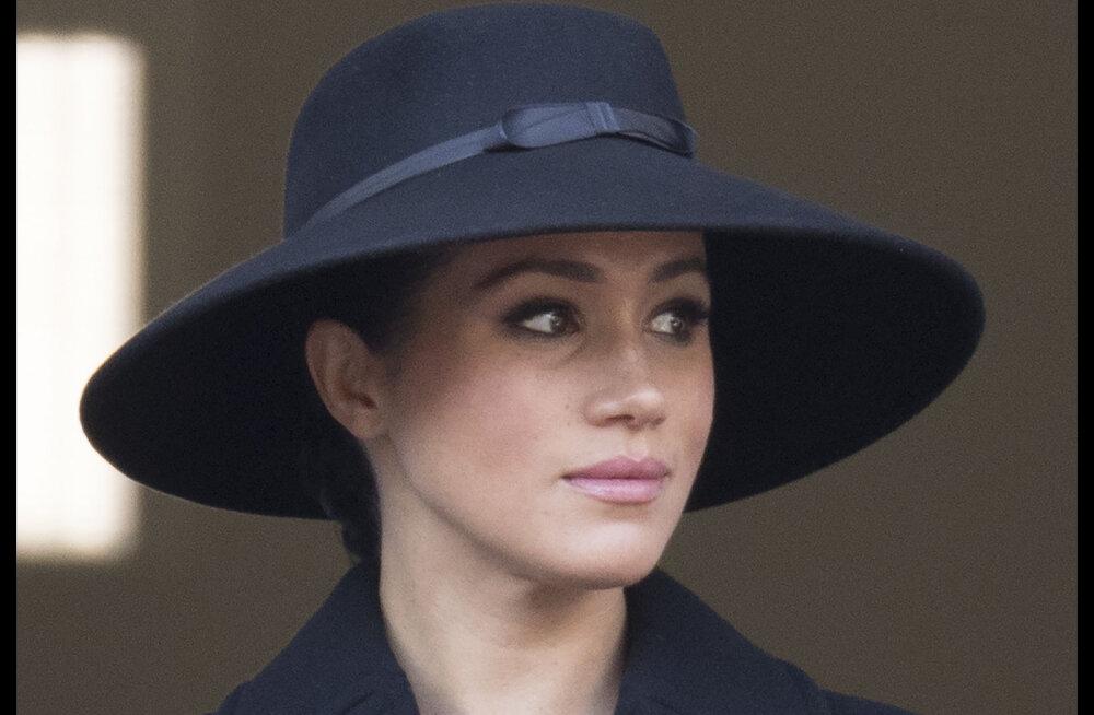Hertsoginna Catherine andis Meghanile esimesel kohtumisel pärast kuninglikku tüli ootamatu austusavalduse