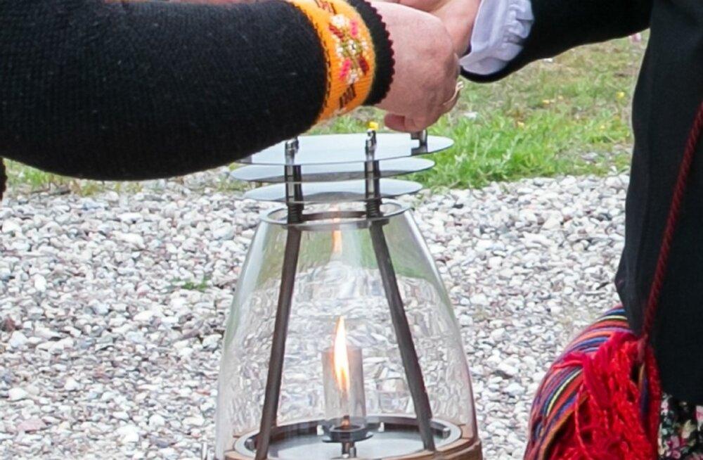 Жители Хийумаа приняли огонь праздника песни и танца своим певческим праздником