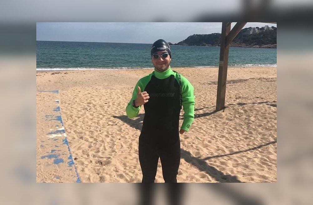 VIDEO | Ühe käega paraujuja sattus treeningul haide piiramisrõngasse