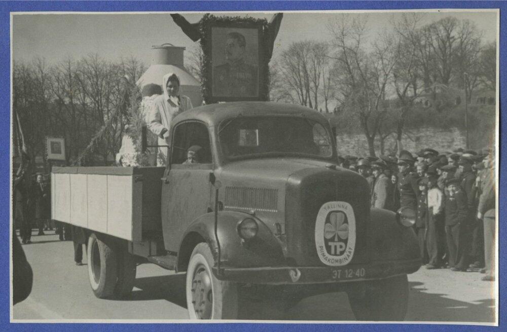 Sõjaväe paraad ja demonstratsioon 1. mail 1947.a. Tallinnas.