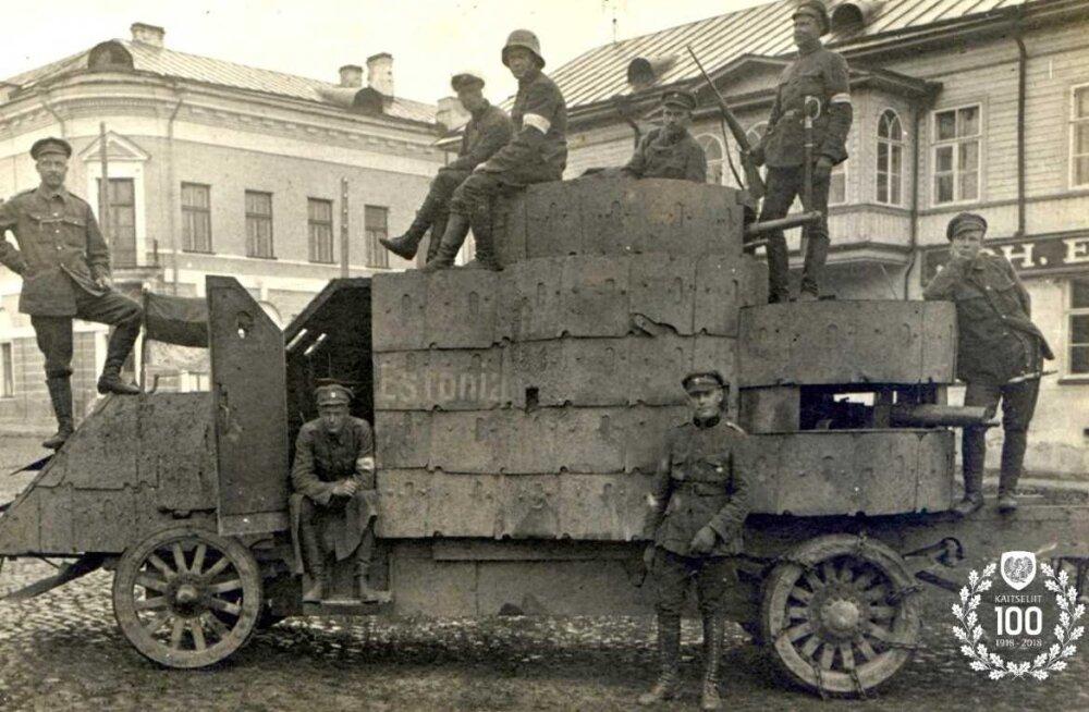 Kaitseliit esitleb Eesti esimest soomusautot