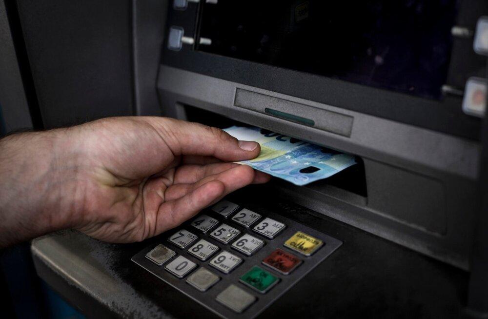 Häkkerite grupp pani muu hulgas Eesti sularahaautomaate raha välja andma