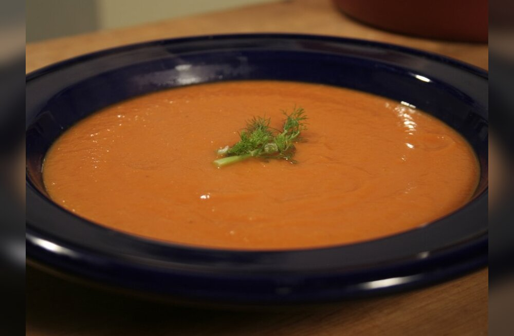 """""""Head Isu:"""" fenkoliga tomatisupp ja köögiviljadega antrekoot"""