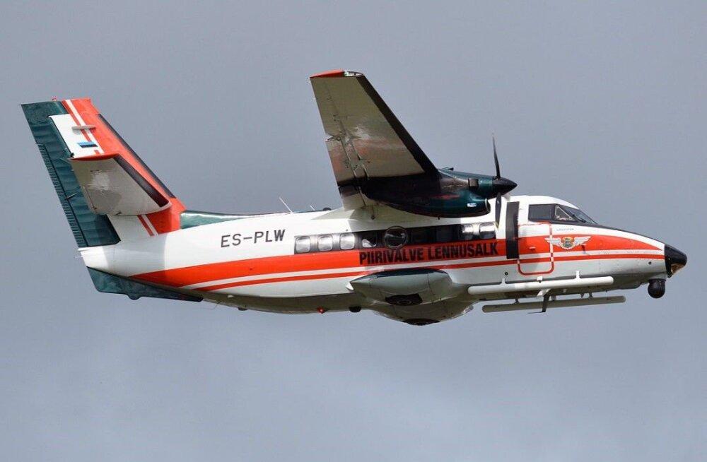 Piirivalve lennusalga vana lennuk müüdi oksjonil 300 000 euroga