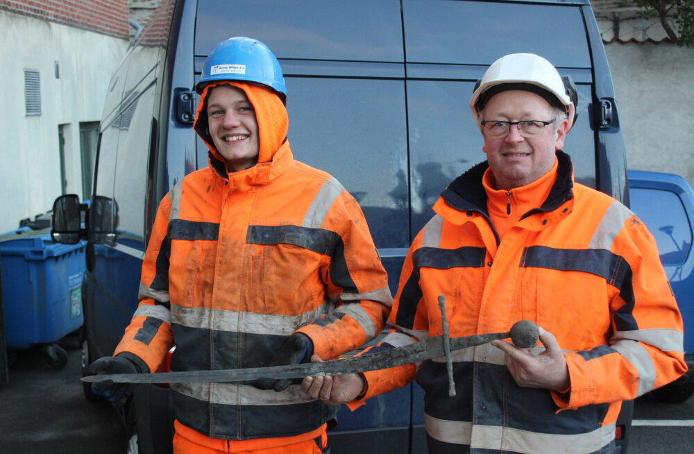 Taanis leiti kanalisatsioonist keskaegne, ent jätkuvalt terav mõõk