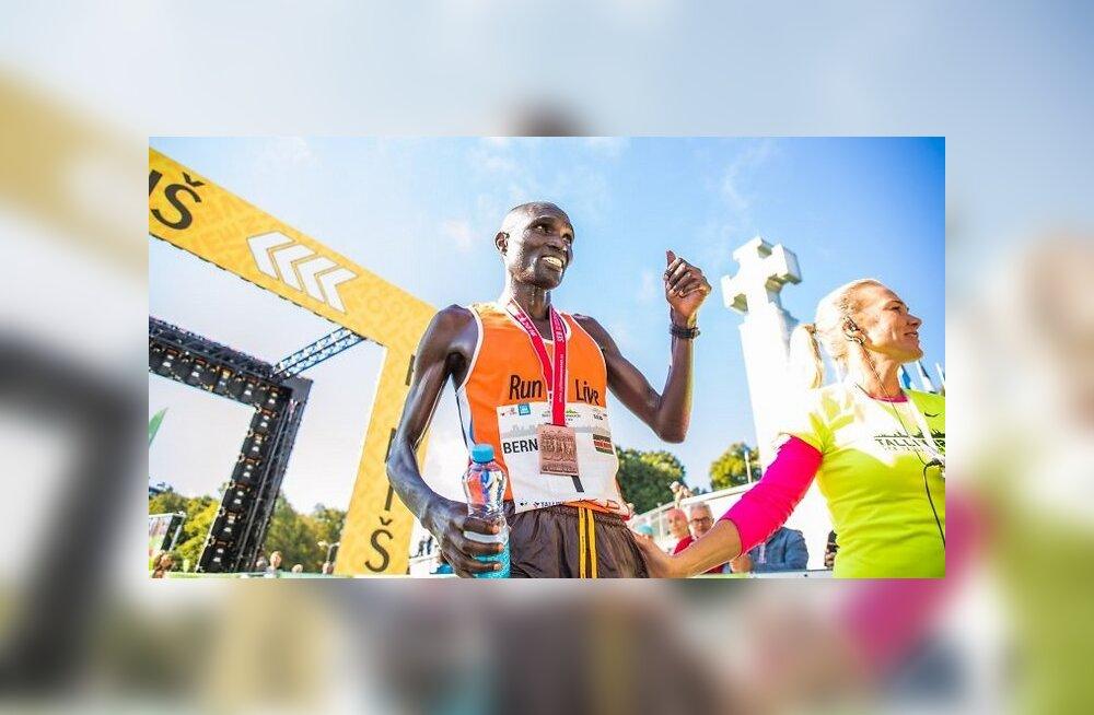 ФОТО: Кенийцы одержали тройную победу на Таллиннском марафоне