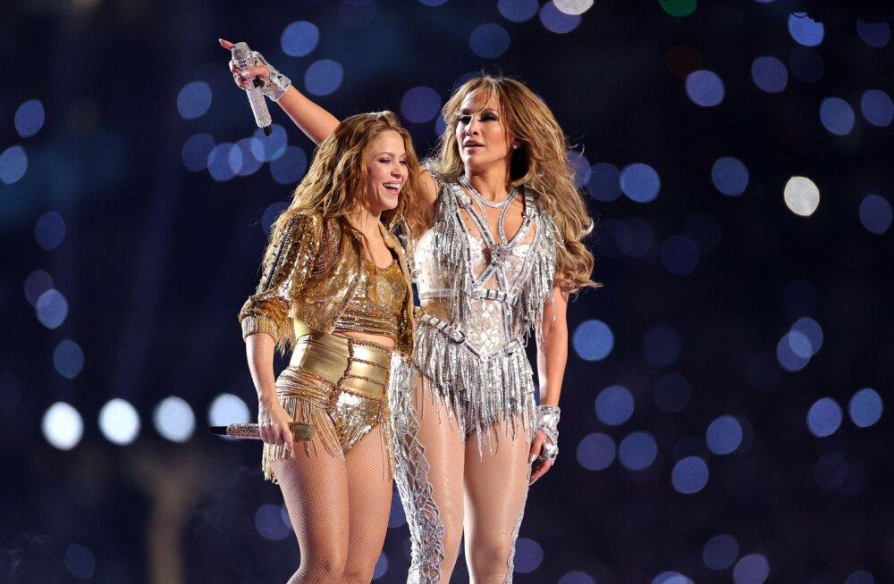 VIDEO | Jennifer Lopez ja Shakira tegid ajalugu! Super Bowli lavale toodi kaheksa kostüümi, kaks ja pool staari ja ajaloolised hitid