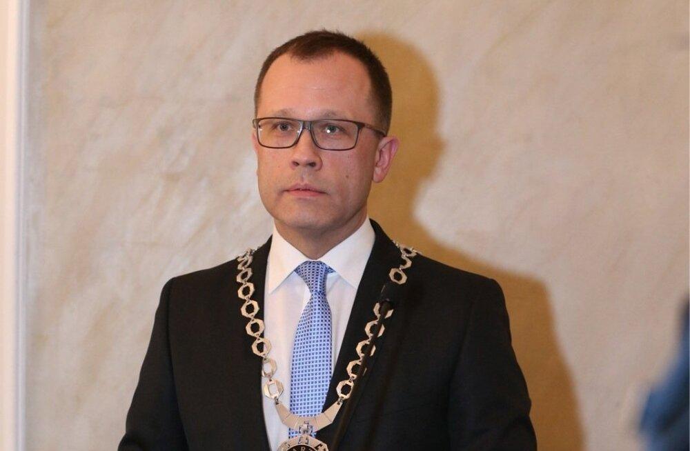 Зарплата мэра Тарту выросла на 1200 евро