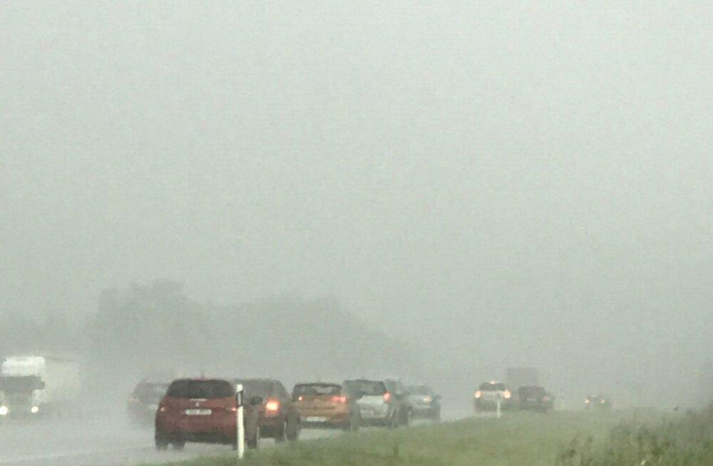 Vihm hoiab liiklust seismas