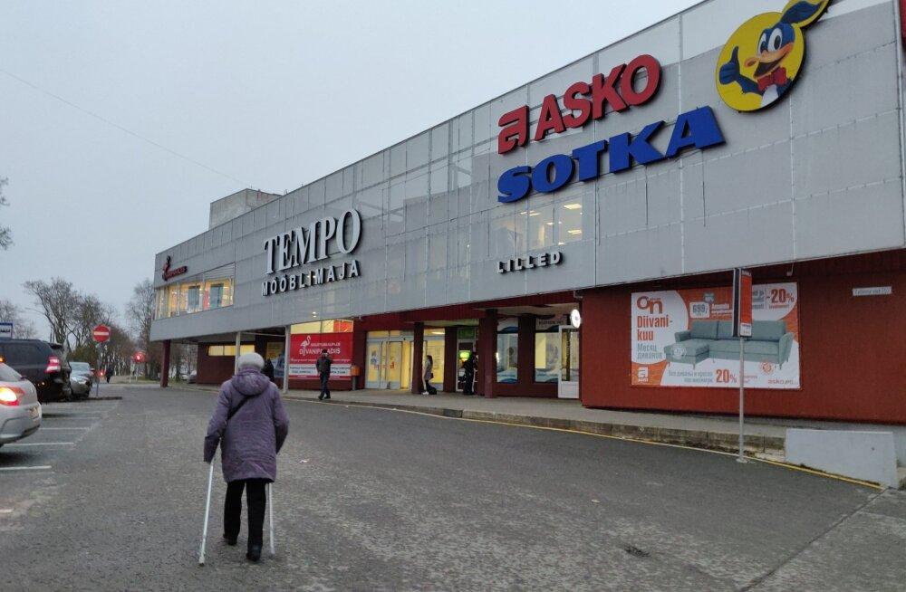ФОТО: Экспансия сети Grossi в Нарву впечатляет. Олег Гросс купил очередной торговый центр, Tempo, и останавливаться не намерен