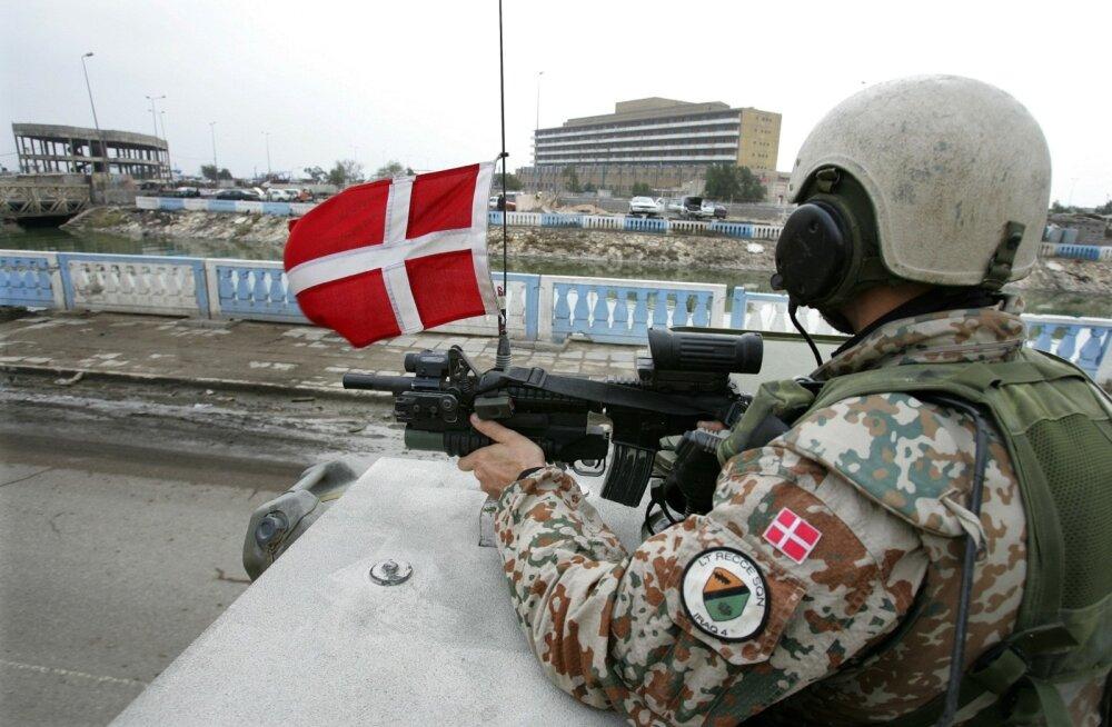 Ka Taani sõdureid hoiatati Eestis ootavate ilusate naiste ja baarikakluste eest