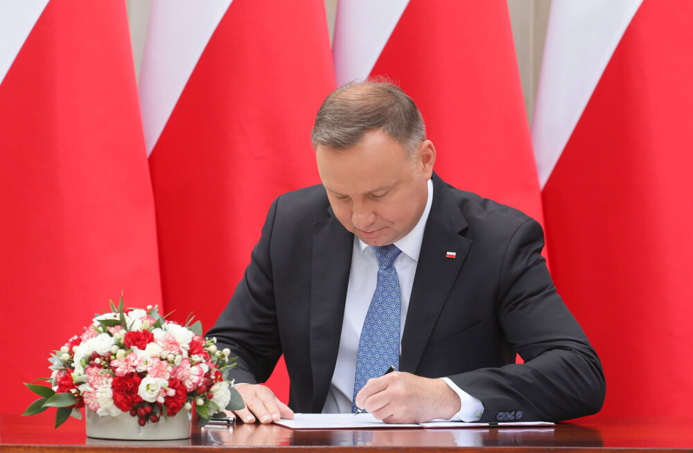 Poola president tahab muuta põhiseadust, et keelata samasoolistel paaridel laste adopteerimine