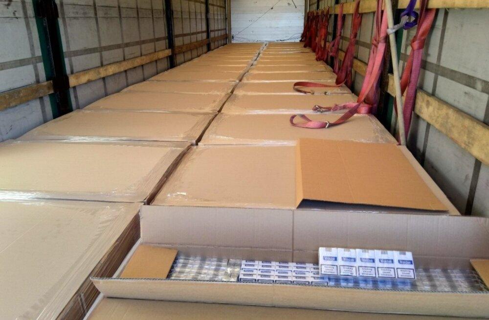 В порту Палдиски изъяли свыше 3 млн контрабандных сигарет