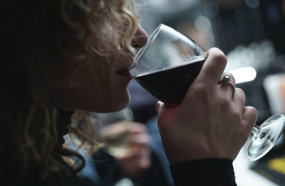 Kas veinisõber on ikka nii hea olla? Teadlaste sõnul mõjub nädalas pudeli veini joomine tervisele just nii hullusti