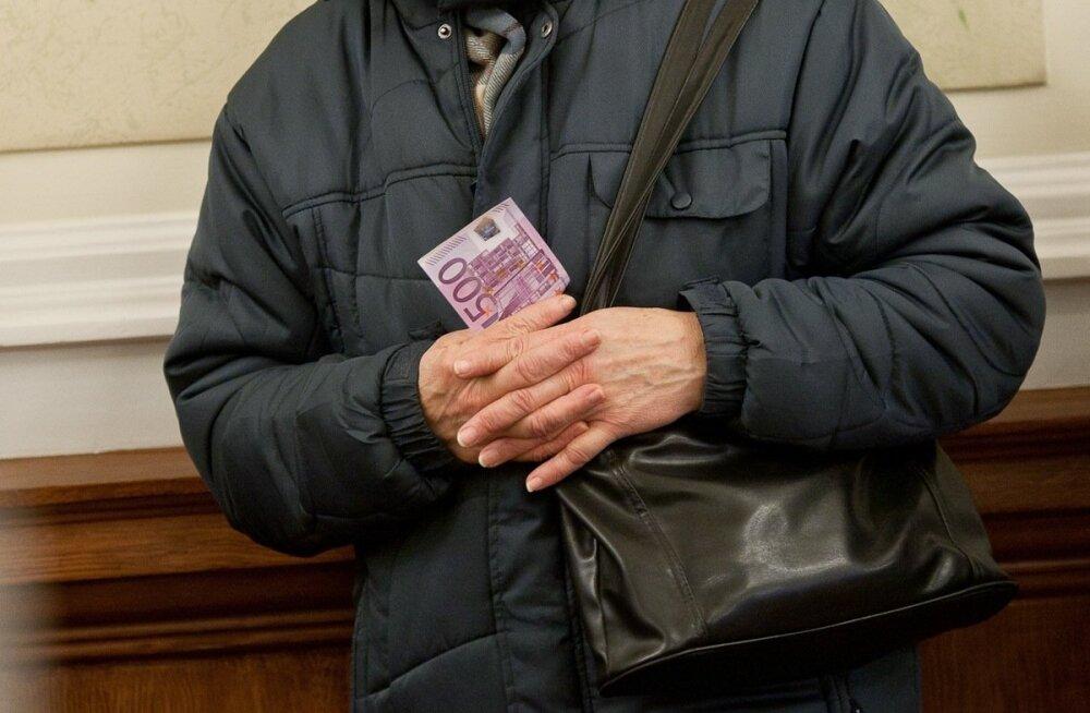 500 eurot.