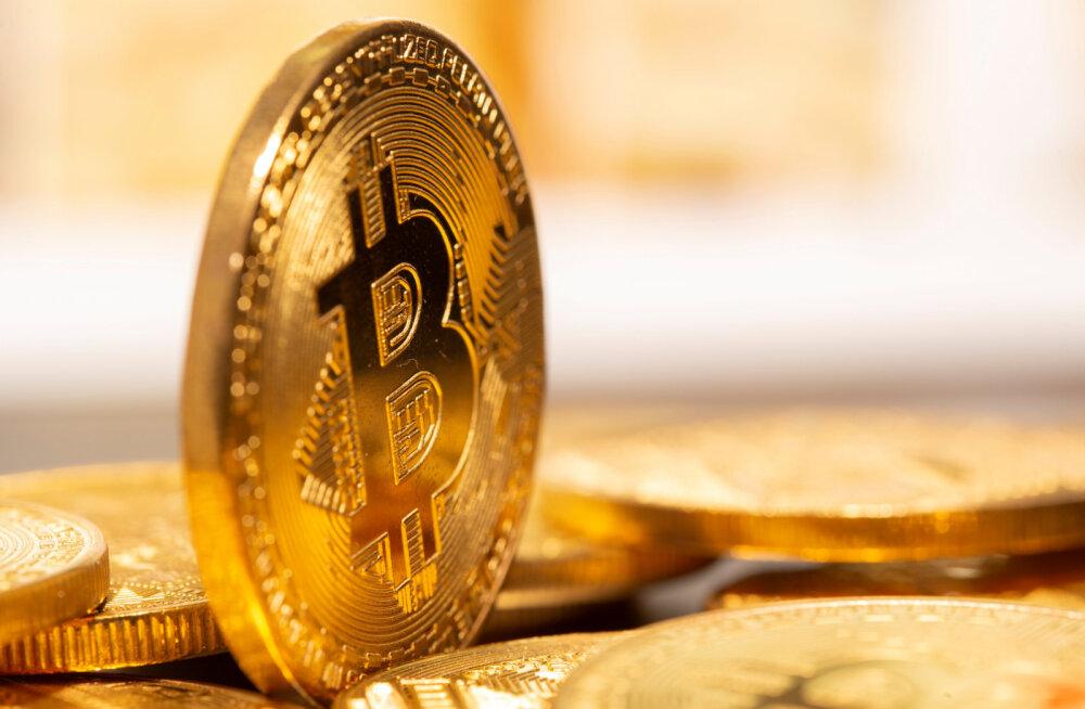 Курс биткоина побил очередной исторический рекорд: 37 тысяч долларов