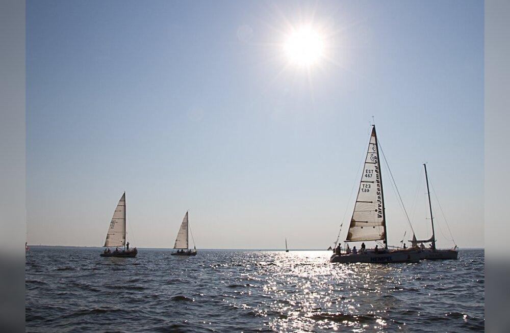 Tuulevaikuse needus hakkab murduma? 13 tundi merel olnud jahid paistavad silmapiiril!