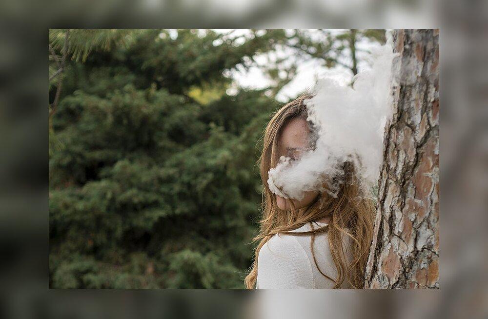 Suur uuring: kuidas mõjub tervisele, kui nii suitsetada kui ka veipida?