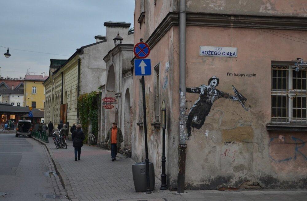 Rõõmsameelne linnatänav Kazimierzi linnaosas.