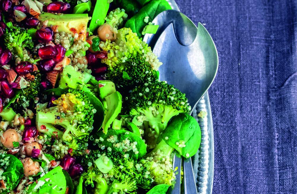 Retsept taimetoiduhuvilistele: tervislik ja kevadiselt värviline kinoasalat brokoli ja avokaadoga
