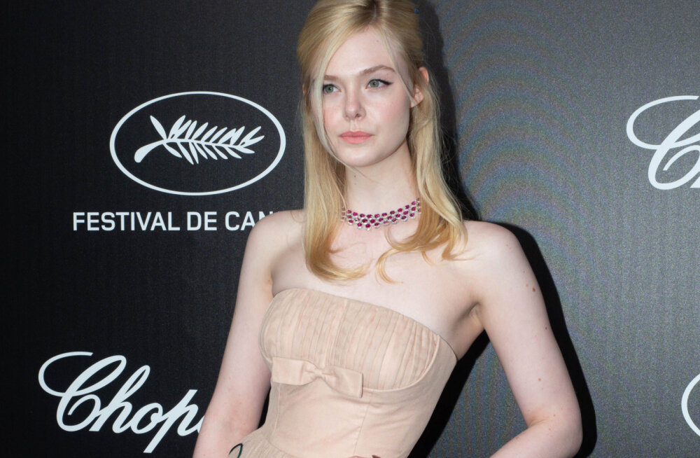 FOTO | Hollywoodi näitlejatar pani Cannes'i filmifestivalil selga nii kitsa kleidi, et minestas