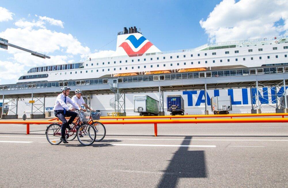 Tallinki laevadele on jalgrattad väga oodatud. Tallinna Sadama D-terminali autode check-in alal avati jalgrattarada