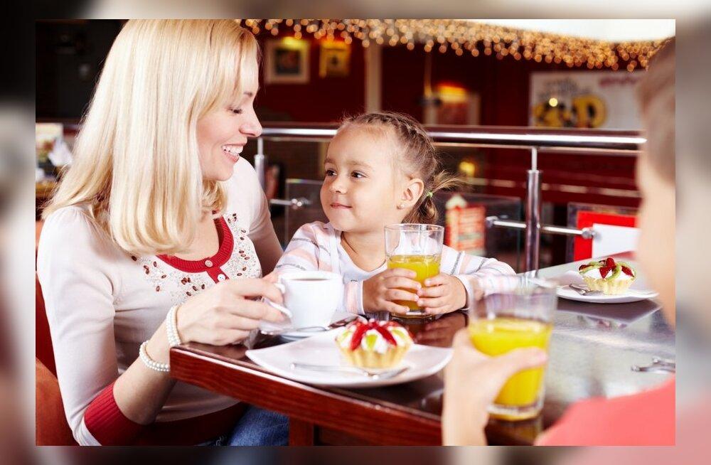 Emad annavad nõu: kuidas mudilastega restoranis einestada ja seda ka nautida
