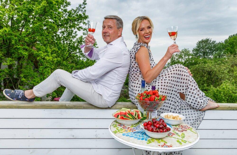 """ŠAMPANJA JA MAASIKAD """"Kui lahutad täiuslikust täiusliku, jääb alles ikkagi täiuslik,"""" muigab elurõõmsalt teleajakirjanik Eda-Liis Kann."""