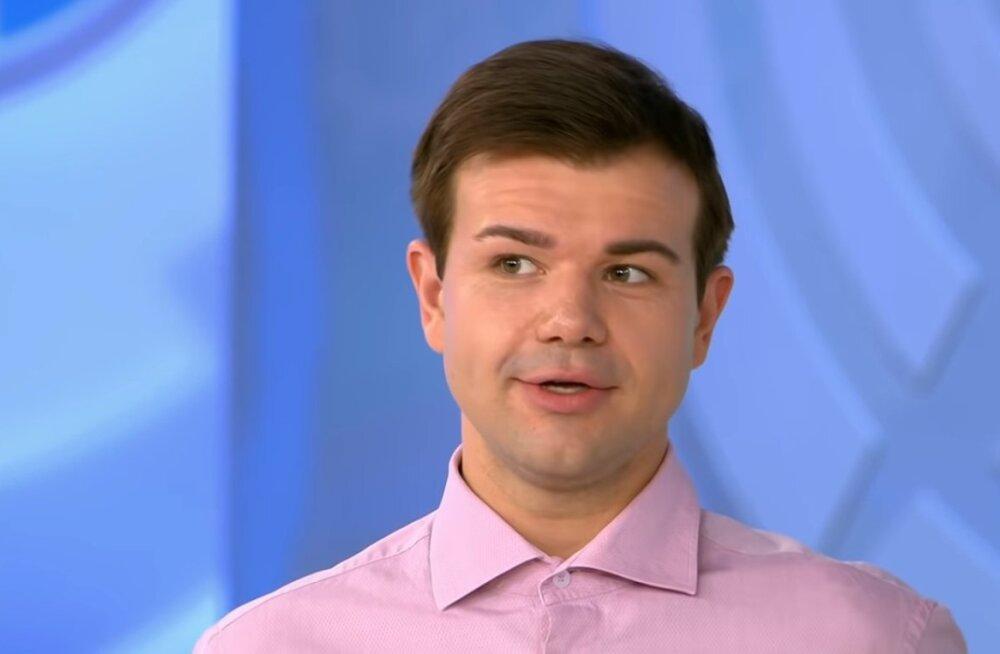 Михаила Казакова в инвалидной коляске выписали из больницы