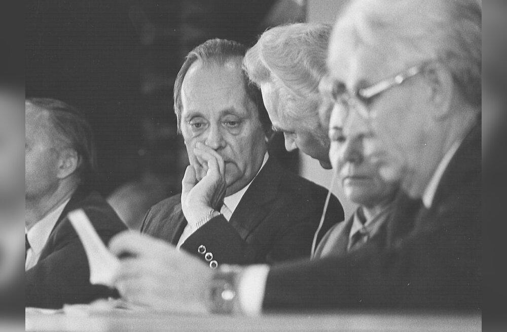 Ajalooline stenogramm: loe, mis toimus ülemnõukogus 19. augustil 1991? Osa I